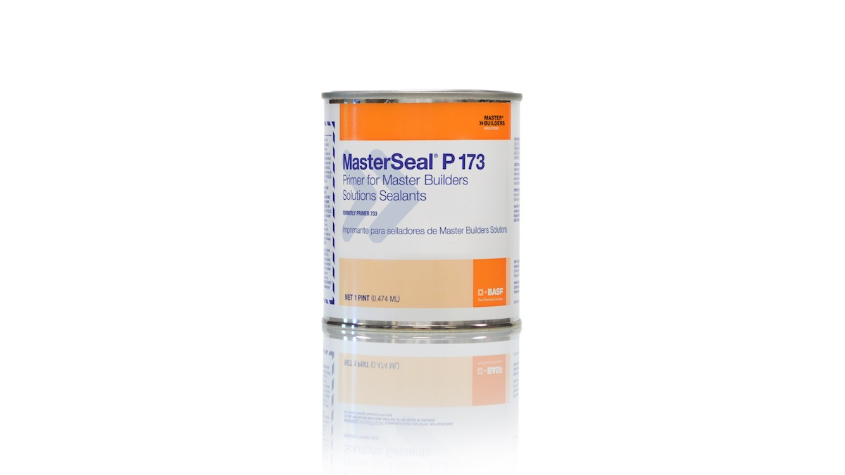 BASF MasterSeal P 173 Quick Drying, Solvent-Based Primer packaged in a one pint can
